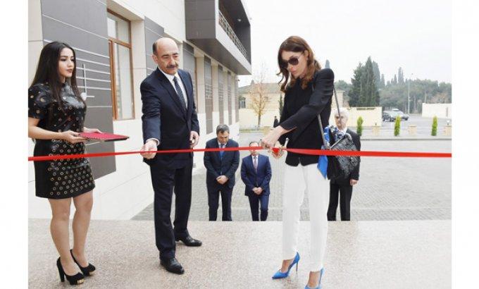 Birinci vitse-prezident Mehriban Əliyeva Rostropoviçlər adına Musiqi Məktəbinin yeni binasının açılışında iştirak edib - FOTOLAR
