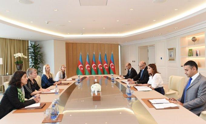 Birinci vitse-prezident Mehriban Əliyeva NATO baş katibinin müavininin rəhbərlik etdiyi nümayəndə heyəti ilə görüşüb