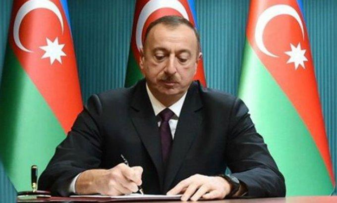 Prezident İlham Əliyev 3 nəfərə general, 2 nəfərə kontr-admiral rütbəsi verdi (SƏRƏNCAM)