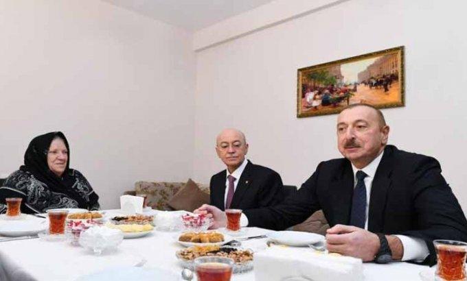Prezident Şamaxıda zəlzələdən ziyan çəkənlər üçün tikilmiş yeni binada olub (FOTOLAR)