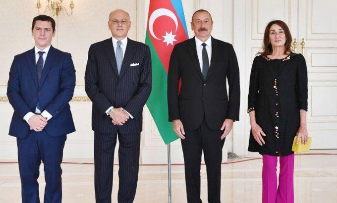 Prezident yeni səfirin və 10 qeyri-rezident səfirin etimadnaməsini qəbul etdi