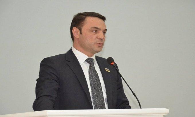 Deputatın polisi döyməsi ilə bağlı cinayət işi açıldı (RƏSMİ)
